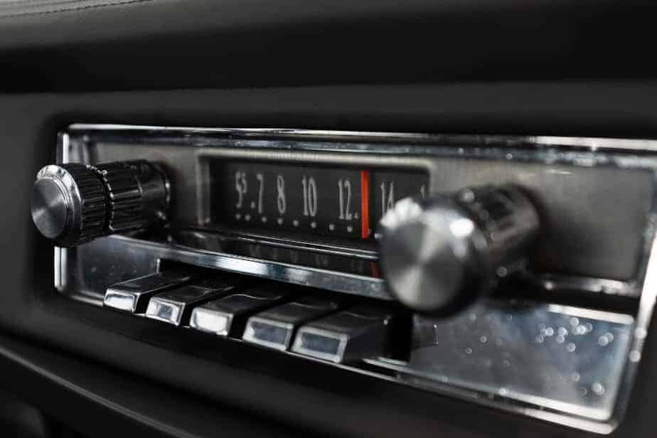 do i need car radio with removable faceplate